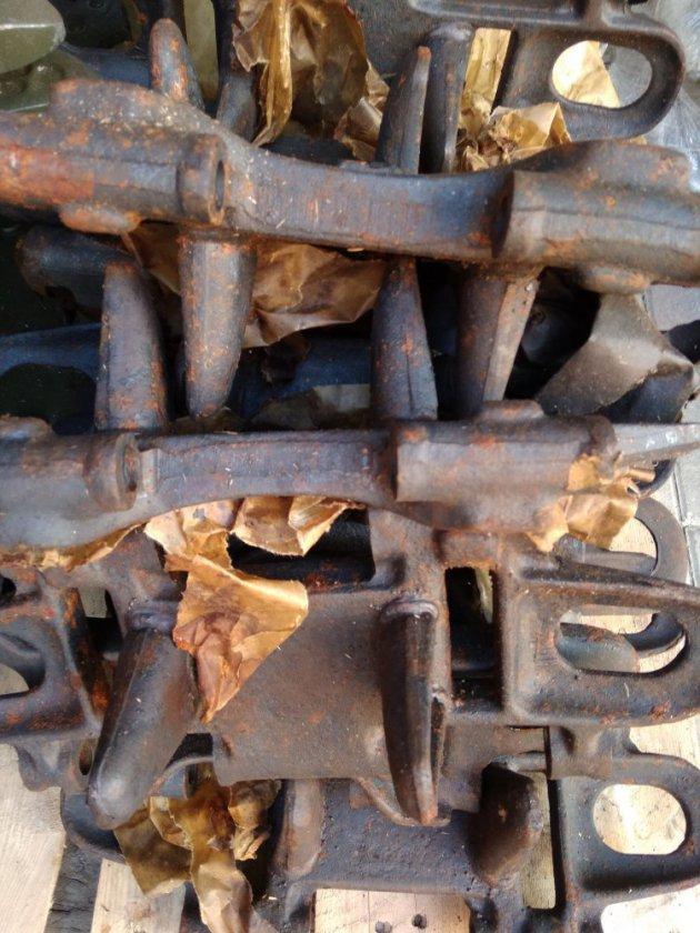 Фото: Звено гусеницы (кованное) (71-3209005-01)