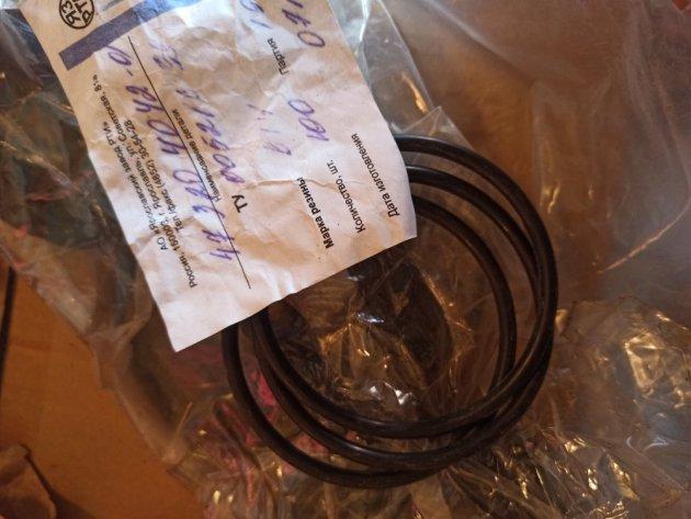 Фото: Кольцо уплотнительное шайбы ступицы катка (47-3204042-01)